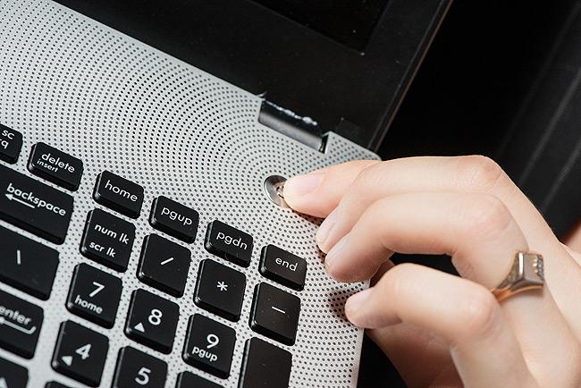 нравится смешивать что делать если ноутбук не включается сидели